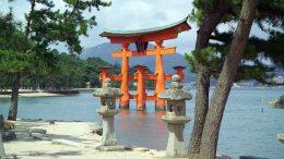 ItsukushimaTorii (2)