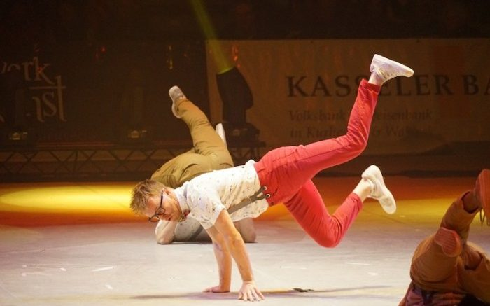 gymnastics_break_dancing_artist_acrobatics_turnkunst_acrobats_artists-1323413
