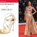 Robe de soirée : chaussure de même couleur que sa robe ?
