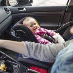 Comment bien nettoyer le siège auto de votre bébé ?
