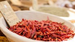 dried-red-peppers-1433522_1280