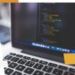 Zoom sur le rôle d'un modérateur web en ligne