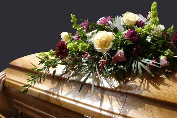 Comment organiser en toute sérénité les obsèques d'un proche