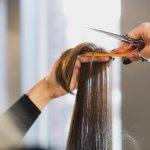 Comment bien préparer ses cheveux au soleil ?