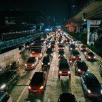 Quel est l'avantage du transport routier de marchandises ?