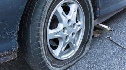 Comment changer un pneu en cas de crevaison