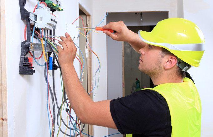 Pourquoi vous devez mettre à niveau votre système électrique domestique