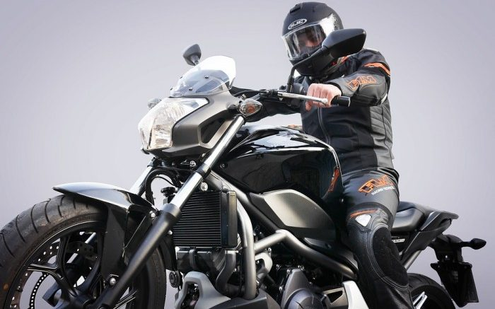motorcycle-3302119_960_720