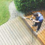 Comment entretenir une terrasse extérieure en bois?