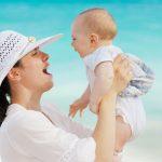 Comment préparer des vacances en famille avec bébé ?