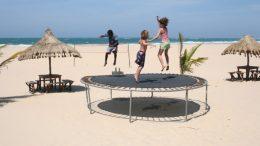 trampoline_children_playing