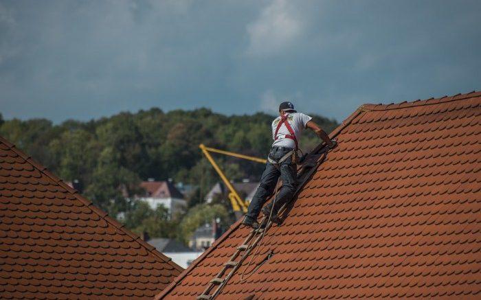 Comment gérer une réparation d'urgence du toit